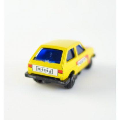 ford-fiesta-jaune-taille-crayon-vintage-1