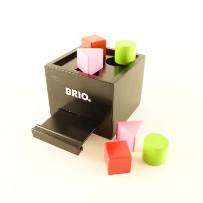 boite-a-formes-laquee-noire-brio-2