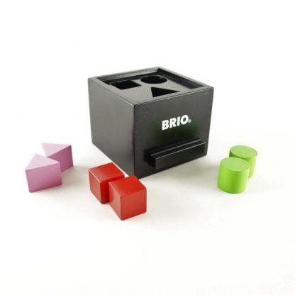 boite-a-formes-laquee-noire-brio-base