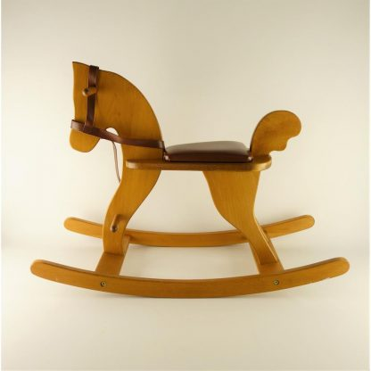cheval-a-bascule-moulin-roty-base
