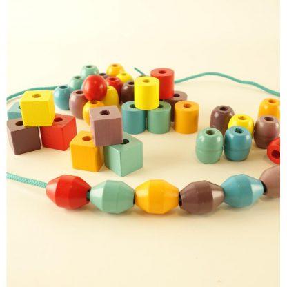 premieres-perles-bde-couleurs-et-d-animaux-en-bois-okoia-1