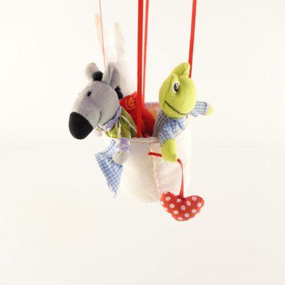 montgolfiere-et-ses-3-animaux-2